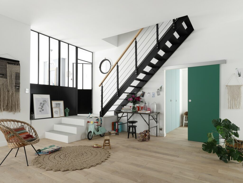 un escalier son image lapeyre presse. Black Bedroom Furniture Sets. Home Design Ideas